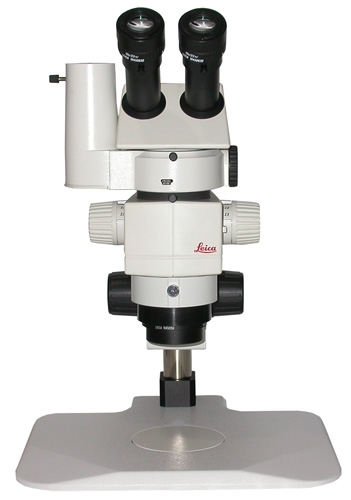 Leica 80 Stereo Zoom Microscope With Photo Port
